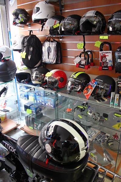 3baaeafcf9a Notre sélection d accessoires et d équipements pour les motards de qualité  à prix
