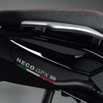 Neco 50 GPX - détail design selle haut de gamme